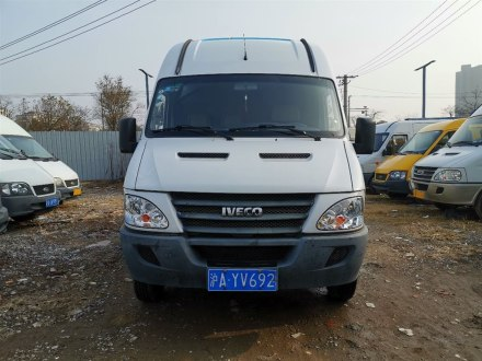 依维柯褒迪 2013款 3.0T-V42 箱货F1C