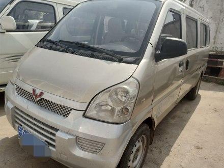 五菱荣光 2012款 1.5L加长基本型