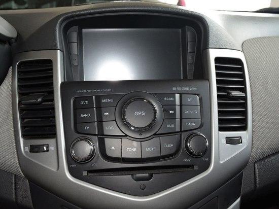 2012款科鲁兹全车系均需要后期自行加装gps导航系统
