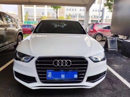 �W迪A4L 2016款 35 TFSI 典藏版 S line舒�m型