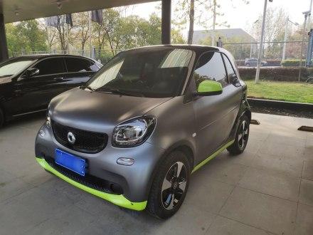 smart fortwo 2018款 1.0L 52千瓦硬�激情版 ��V