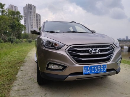 北京�F代ix35 2013款 2.0L 自��沈�舒�m型GL ��IV
