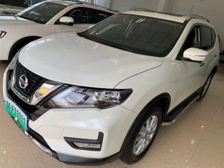 奇�E 2017款 2.0L CVT七座舒�m版 2WD