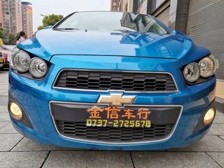 爱唯欧 2011款 三厢 1.4L MT SL