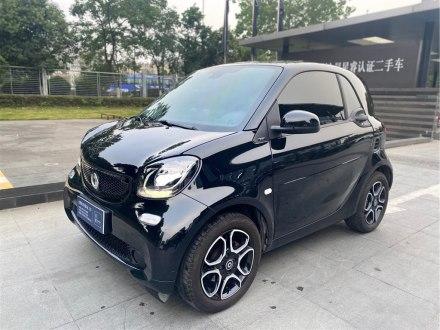 smart fortwo 2018款 0.9T 66千瓦硬顶先锋版 国V