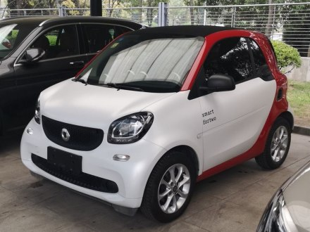 smart fortwo 2015款 1.0L 52千瓦硬��`�影�