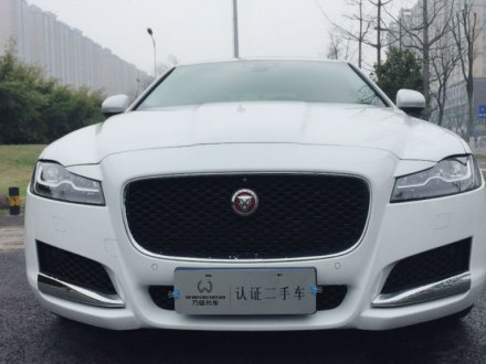 捷豹XFL 2018款 XFL 2.0T 250PS 豪华版