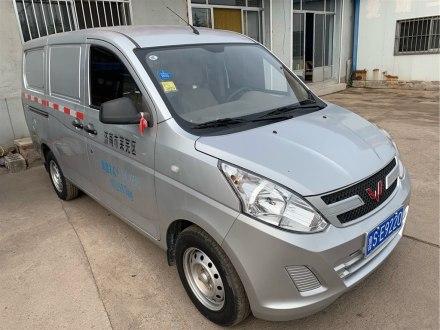 五菱荣光V 2019款 1.2L厢式运输车实用型