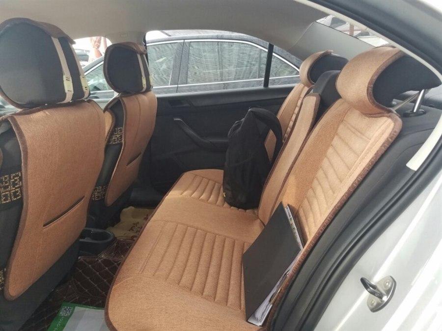 桑塔纳车的驾驶座椅使用
